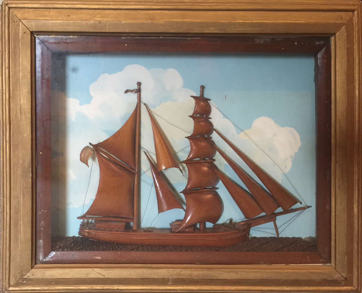 wooden-ship-diorama